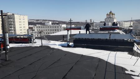 Новая крыша до и после г.Магадан, ул.Пролетарская, д.3, кор.3