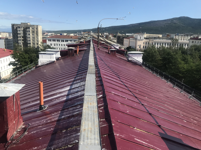 Приняты работы по капитальному ремонту крыши домов NN 37, 39, 41 по проспекту Карла Маркса