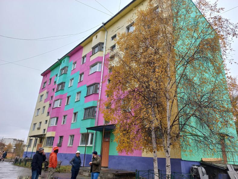 Приемка работ по капитальному ремонту крыши в поселке Усть-Омчуг